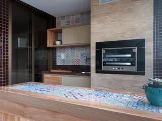 Patios & Decks by Bernal Projetos - Arquitetos em Salvador, Eclectic