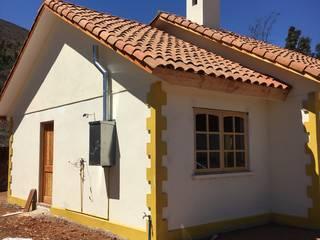 CASA ANA THEZA: Casas de estilo  por VASGO