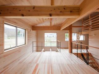 下宝沢の家: 大類真光建築設計事務所が手掛けた子供部屋です。