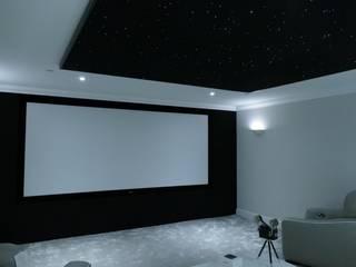 in stile  di HiFi Cinema Ltd.