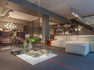 Салон Мебели Сквирел Poltrona Frau Офисы и магазины в стиле лофт от anydesign Лофт