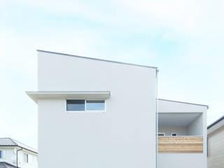 街中の家: ELD INTERIOR PRODUCTSが手掛けた一戸建て住宅です。