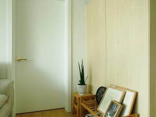 Scandinavian style corridor, hallway& stairs by Design Daroom 디자인다룸 Scandinavian