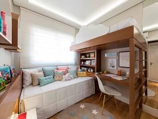 Girls Bedroom by Larissa Lieders Arquitetura + Interiores, Modern