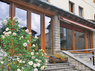 HOTELES varios Casas de estilo mediterráneo de GREEN PVC Mediterráneo