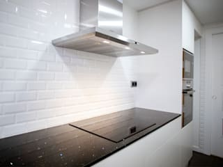 Grupo Inventia Cocinas equipadas Azulejos Blanco