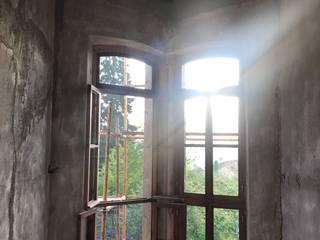 Öykü İç Mimarlık – Tarihi Cirav Konağı Projesi:  tarz Ahşap pencereler