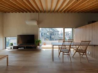 Столовая комната в стиле модерн от 庄司寛建築設計事務所 / HIROSHI SHOJI ARCHITECT&ASSOCIATES Модерн