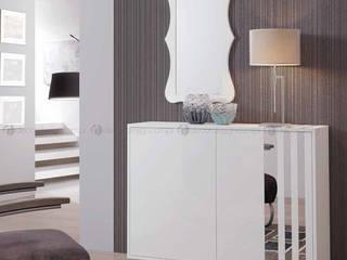 Decordesign Interiores Corridor, hallway & stairsStorage