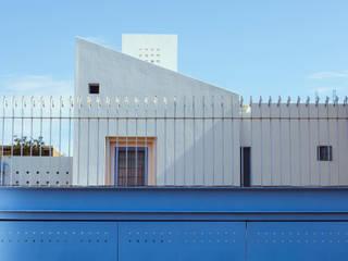 Volumetria Frontal: Casas unifamiliares de estilo  por Bojorquez Arquitectos SA de CV
