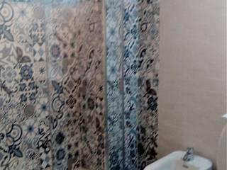 Cambio de bañera por plato de ducha : Baños de estilo  de CONSUELO TORRES