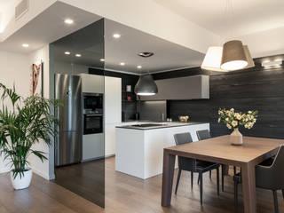 Встроенные кухни в . Автор – Studio Vetroblu_Stefano Ferrando, Модерн