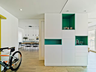 REFORMA JM + LM - #ÁticoJM ARQUITECTURA by ROBERTO GARCIA - A by RG Pasillos, vestíbulos y escaleras de estilo moderno