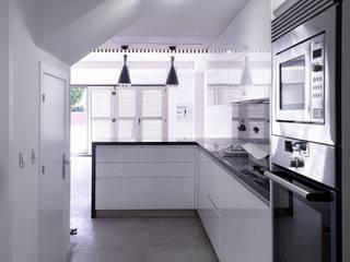 Kitchen by Francisco Pomares