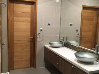 Salle de bain classique par Nomade Arquitectura y Construcción spa Classique Céramique