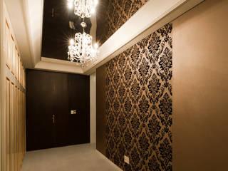 Design Tomorrow INC. Classic corridor, hallway & stairs