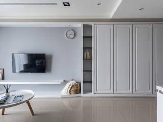 Livings de estilo clásico de 合觀設計 Clásico