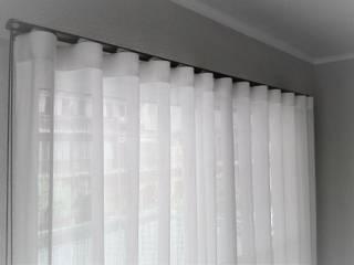 Livings modernos: Ideas, imágenes y decoración de Navarro valera cortinas y hogar Moderno