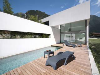 Relax in giardino di Arredo-Giardino.com Moderno