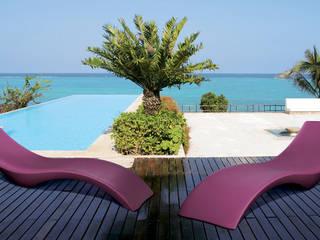 Lettino prendisole piscina CLOE by Myyour:  in stile  di Arredo-Giardino.com