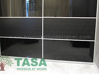 Wardrobe Designs:   by TASA interior designer