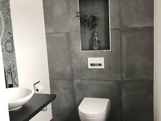 Minimal:  Badezimmer von Innendesign Schumacher – Innenarchitektur Aachen,Minimalistisch