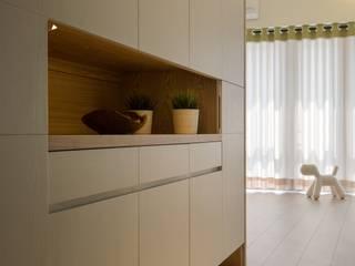 暖心 斯堪的納維亞風格的走廊,走廊和樓梯 根據 詩賦室內設計 北歐風