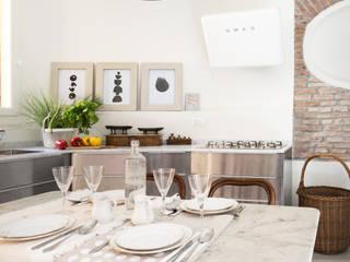 Mediterrane Küchen von Viú Architettura Mediterran