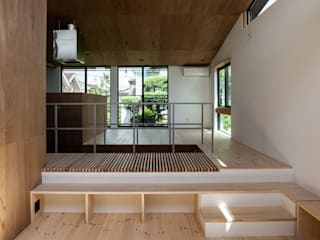 Salas / recibidores de estilo  por 株式会社 N&C一級建築士事務所, Ecléctico