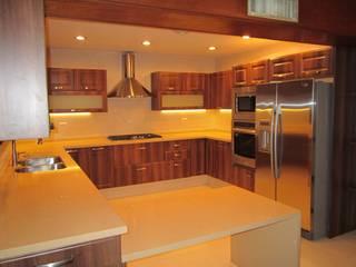 COCINA CLASICA ORIGINALE CUCINE E ARMADI Cocinas equipadas Compuestos de madera y plástico Acabado en madera