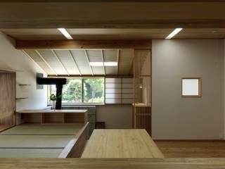 โดย スタジオ・スペース・クラフト一級建築士事務所 ผสมผสาน