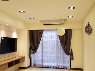 Modern windows & doors by 藝舍室內裝修設計工程有限公司 Modern