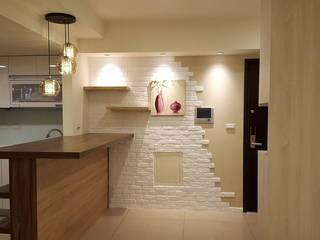 Modern walls & floors by 藝舍室內裝修設計工程有限公司 Modern
