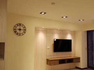Salon moderne par 藝舍室內裝修設計工程有限公司 Moderne