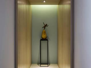 時間 現代風玄關、走廊與階梯 根據 詩賦室內設計 現代風