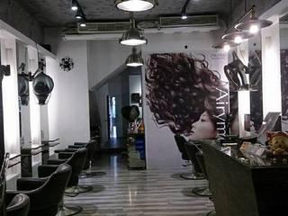 商業髮廊現代風。桃園:  商業空間 by 藝舍室內裝修設計工程有限公司