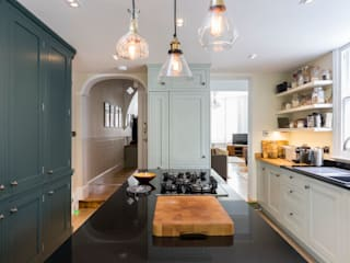 Loft Conversion and Kitchen Renovation by Resi Architects in London Сучасний