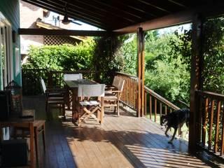Casa en Tigre Balcones y terrazas clásicos de 2424 ARQUITECTURA Clásico
