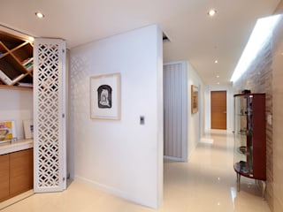 Corredores e halls de entrada  por Design Mind Mirae