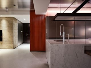Modern Corridor, Hallway and Staircase by 沈志忠聯合設計 Modern