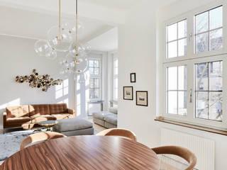 Wohnung in Jugendstilarchitektur:  Wohnzimmer von studio1073