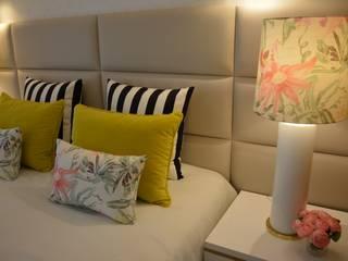 Projeto de Decoração Quarto de Casal: Quartos  por Ana Oliveira Home Design,Moderno