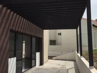 Residencia Sierra Alta, Monterrey, N.L.: Terrazas de estilo  por AD ARQUITECTOS DISEÑO / CONSTRUCCIÓN / MOBILIARIO