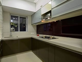 Luxury Residence in Town Modern kitchen by EVOLVE Modern