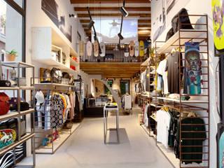 Centros comerciales de estilo  por BCN Feng Shui