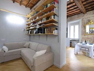 Ruang Keluarga Gaya Country Oleh silvestri architettura Country