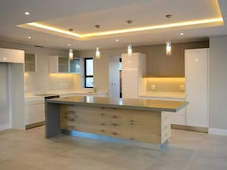 Kitchen: modern Kitchen by JFS Interiors