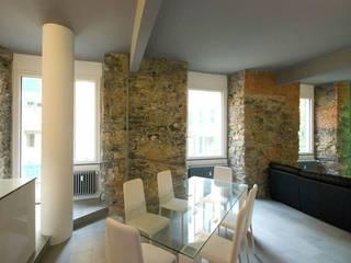 Ruang Makan Modern Oleh silvestri architettura Modern