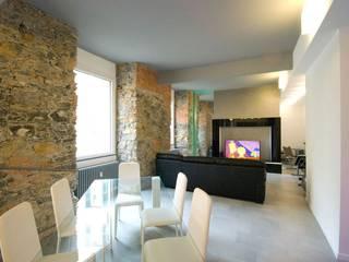 Ruang Keluarga Modern Oleh silvestri architettura Modern
