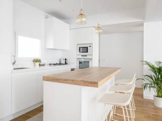 Casa en Primo de Rivera Cocinas de estilo moderno de 2J Arquitectura Moderno